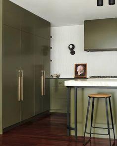 Classic Home Decor .Classic Home Decor Indian Home Interior, Minimalist Home Interior, Kitchen Interior, Kitchen Decor, Kitchen Design, Rustic Home Interiors, Classic Home Decor, Home Decor Paintings, Beautiful Kitchens
