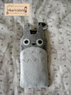 Handmade Totoro felt cellphone pouch. The size can be costume made to whatever model phone you own. $6.00