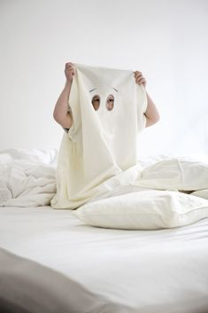 FABELAB dream-in-ghost costume and bedlinen in one. Just in time for Halloween!