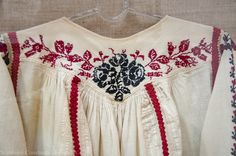 Folk Costume, Costumes, Still In Love, Folk Fashion, Peasant Blouse, Romania, Floral Tops, Anthropologie, Culture