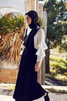 to # Tesettür - Hijab Pants Models 2020 - Muslim Dress, Hijab Dress, Hijab Outfit, Muslim Fashion, Modest Fashion, Girl Fashion, Fashion Design, Modest Outfits, Casual Dresses