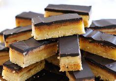 Millionaire's Shortbread ou sablés au caramel et chocolat comme des Twix sans gluten | Sunny Délices