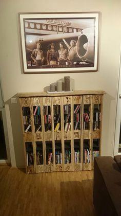 wandregale palettenm bel paletten cd und dvd regal ein designerst ck von nordi design bei. Black Bedroom Furniture Sets. Home Design Ideas