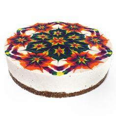 O chef americano Stephen McCarty é especializado em criar bolos zen, caleidoscópicos, coloridos, com mandalas feita à mão.