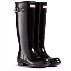 HUNTER original gloss tall black boots Sz 9 new HUNTER original gloss tall black boots Sz 9 new 100% authentic women's Sz 9 men's size 8 Hunter Boots Shoes