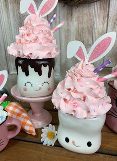 Easter Table, Easter Decor, Whipped Topping, Whipped Cream, Easter Drink, Cute Marshmallows, Cream Mugs, Hot Chocolate Mug, Kitchen Cupboard