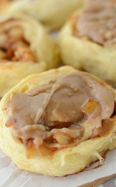 Easy Caramel Apple Cinnamon Rolls