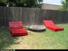 pallet loungechair DIY : Pallet lounge chairs in pallet garden pallet furniture with Pallets Lounge