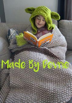 Knit Blanket Yoda Blanket Hooded Blanket KNITTING by MadeByDevrie