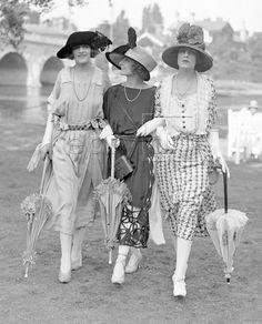 Ladies at Ascot, 1921
