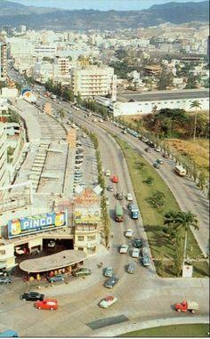 La famosa bomba de gasolina en Plaza Venezuela....Caracas 1959