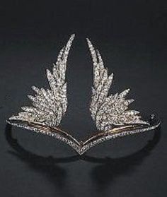 Chaumet - A Belle Epoque silver, gold and diamond tiara, French, circa In Richard Wagner's opera 'Die Walküre' was performed for the first time, giving rise to a veritable Wagner mania. The wings in this crown refer to the winged helmets of the Royal Jewelry, Ruby Jewelry, Pandora Jewelry, Turquoise Jewelry, Diamond Jewelry, Jewelery, Fine Jewelry, Silver Jewellery, Luxury Jewelry