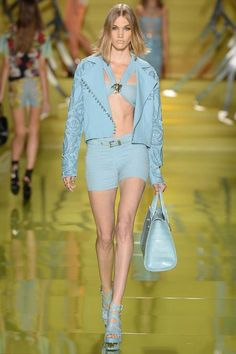 Versace Primavera 2014 Ready-to-Wear Presentación Colección de Style.com