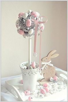 Brilliant Easter Home Decoration Ideas to Make Your Happy Easter Table Decorations, Outdoor Christmas Decorations, Easter Tree, Easter Wreaths, Easter 2018, Easter Crafts For Kids, Vintage Easter, Easter Baskets, Holidays And Events
