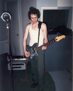 Memphis, TN 1997 Jeff at his home with the silver guitar. Photo by Parker Kindred. Jeff Buckly, Tim Buckley, Peter Steele, White Boys, Amazing Grace, First Dance, Attractive Men, Beautiful Soul, Great Artists