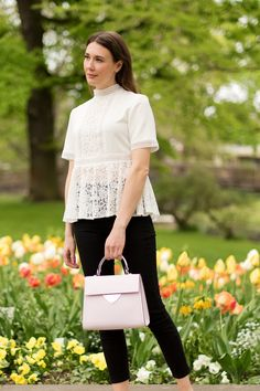 Outfit: Lace Top and High Waist Jeans | www.moodforstyle.de | Fashion, Food, Beauty & Lifestyle Blog from Germany