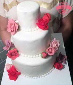 Hochzeitstorte-Rosen