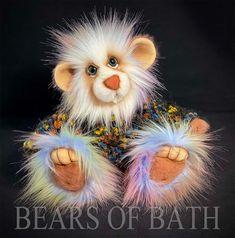 Rainbow Royal Blue And Gold, Main Colors, How To Introduce Yourself, Sculpting, Pattern Design, Bears, Teddy Bear, Fur, Rainbow