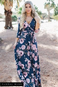 Are you looking for a perfect dress that can be worn to almost every event?! Then, the search is over because this dress is absolutely stunning Plus, its maternity friendly and would be perfect for family photos.