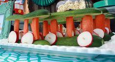Veggie Trolleys - http://www.pbs.org/parents/birthday-parties/daniel-tiger-birthday-party/food/veggie-trolleys/