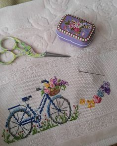 This Pin was discovered by Zhy 123 Cross Stitch, Beaded Cross Stitch, Cross Stitch Borders, Crochet Cross, Cross Stitch Flowers, Cross Stitch Designs, Cross Stitching, Cross Stitch Embroidery, Embroidery Patterns