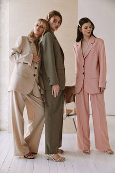 Fashion Shoot, Editorial Fashion, Fashion Outfits, Fashion Tips, Fashion Design, Fashion Trends, Vogue Street Style, Minimal Fashion, High Fashion