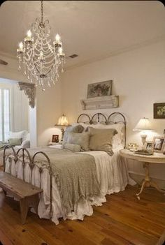 Vintage Shabby Chic Bedroom Furniture Layout.