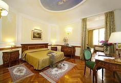 TREVI FOUNTAIN Area:   Hotel Hiberia - Via XXIV Maggio 7, Trevi, Rome