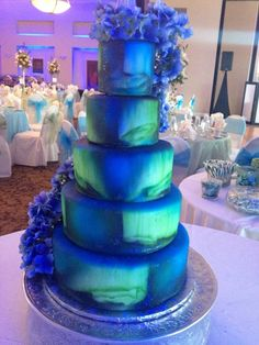 Northern Lights wedding cake (Aurora Borealis) annacakes.com