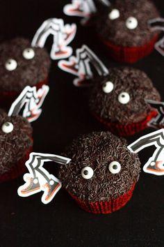 Suklaapossu: Halloweenin Hämähäkki-muffinssit