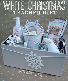 Dreaming of a White Christmas teacher gift! Goodies stuffed in a cool Rubbermaid Bento Organizer at shakentogetherlife.com   #HolidayBento #ad #PMedia