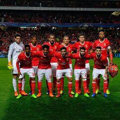 Foto do nosso 11 frente ao Dortmund. (📸 @slbenfica )