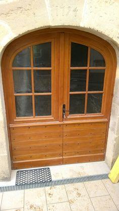 Porte d 39 entr e avec lames horizontales r guli res cymaise partie haute vitr e portes d - Porte d entree 2 vantaux tierces ...
