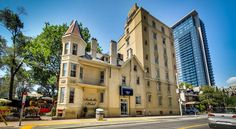Isabella Hotel & Suites Toronto A short stroll from an underground station offering direct access to numerous Toronto city centre attractions, including the CN Tower, 4 km away, this historic refurbished hotel features comfortable accommodation and friendly service.