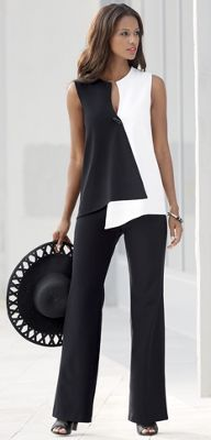 I love black and white outfits. Opposites Attract Pant Suit from Monroe and Main. Dramatic geometrics curve and contour your shape into ultra-modern flattery. Crossover style top has toggle closure. Look Fashion, Womens Fashion, Fashion Design, Fashion Kids, Diy Fashion, Look Chic, Beautiful Outfits, Ideias Fashion, Fashion Dresses