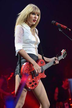 Taylor Swift (like Rock 'N Roll Girlfriend)
