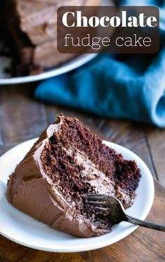 Chocolate fudge cake is a simple, one-bowl chocolate cake recipe. Includes tips and step-by-step photos. #chocolate #cake #chocolatecake #recipe #best #easy #onebowl #ihearteating