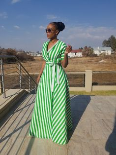 Love the bold color Stylish outfit ideas for women who love fashion! African Print Dresses, African Fashion Dresses, African Attire, African Wear, African Dress, Fashion Mode, Modest Fashion, Look Fashion, Fashion Outfits