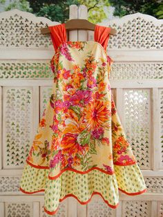 Pretty vintage-style apron                                                                                                                                                                                 More