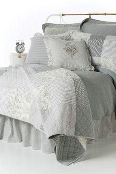 <ul><li>Rustic chic inspiration</li><li>Quilt, quilted duvet cover and accessories collection</li><li>Made of cotton</li><li>Available at your Brunelli retailer</li></ul>