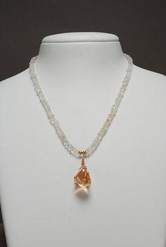 Imperial Gold Aura Quartz and Crystal Quartz semiprecious stones necklace. Quartz Necklace, Gemstone Necklace, Crystals And Gemstones, Natural Gemstones, Semi Precious Gemstones, Making Ideas, Quartz Crystal, Jewelry Making, Necklaces
