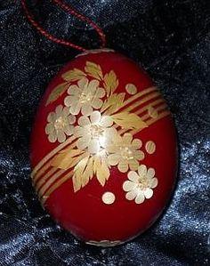 . Egg Rock, Types Of Eggs, Straw Art, Ukrainian Easter Eggs, Grenade, Egg Designs, Faberge Eggs, Quilling Designs, Egg Art