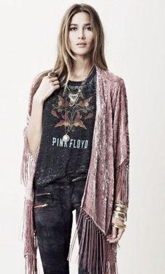 Pink Floyd t-shirt and boho kimono