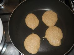 come-fare-i-pancackes-ricetta-low-cost (4) Iron Pan, Brunch, Paleo, Beach Wrap, Paleo Diet
