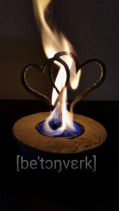 Burning hearts - Edelstahl Herzen in einer Beton Feuerschale befeuert mit Brenngel Beton Design, Facebook Sign Up, Hearts, Ideas, Architectural Materials, Stainless Steel, Wedding, Crafting, Thoughts