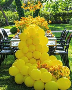 """LEBANESE WEDDINGS's Instagram profile post: """"Here's a little cup of sunshine for your Tuesday evening with this bright and bubbly tablescape decoration.💛 ____________________ ▪︎Wedding…"""" Wedding Table Setup, Lebanese Wedding, Little Cup, Have A Lovely Weekend, Star Wedding, Tablescapes, Sunshine, Bubbles, Bright"""