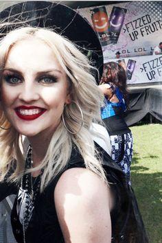 OMG she is soo gorgeous i wish i looked like her Perrie Edwards