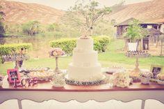 Casamento Alana&Augusto / decoração romântica vintage / mesa do bolo / doces / bolo de casamento / wedding