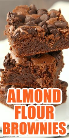 ALMOND FLOUR BROWNIES RECIPE - easy homemade gluten free chocolate brownie recipe with almond flour. These fudgy brownies make a great dessert! Chocolate Desert Recipes, Best Chocolate Desserts, Gluten Free Chocolate, Chocolate Belga, Chocolate Chocolate, Chocolate Lovers, Baking Chocolate, Chocolate Truffles, Easy No Bake Desserts