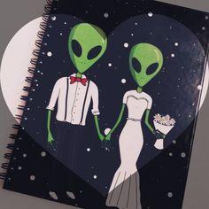 alien, love, and notebook image Alien Drawings, Art Drawings, Alien Aesthetic, Cute Alien, Alien Tattoo, Alien Queen, Space Grunge, Space Aliens, Aliens And Ufos